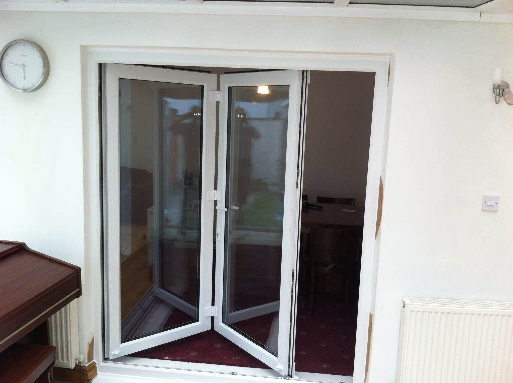 Folding Bifold Doors : Pane bi fold door aire valley glass